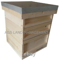 Ruche Nationale D'abeille Avec La Boîte De Couvée Et Deux Supers. Ruches De Kit De Ruche D'apiculture